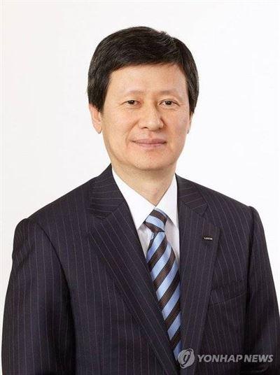 SDJ Corporation Chairman Shin Dong-joo [JOONGANG ILBO]