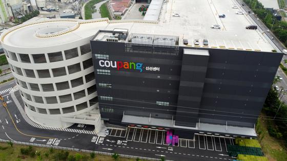Coupang's logistics center in Bucheon Gyeonggi [NEWS1]