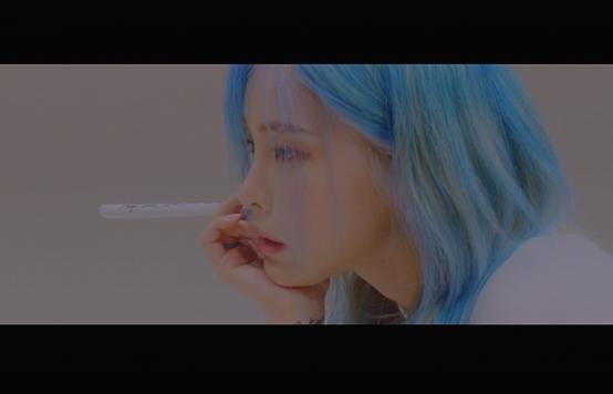 "Heize's new EP ""Lyricist"" [STUDIO BLUE]"