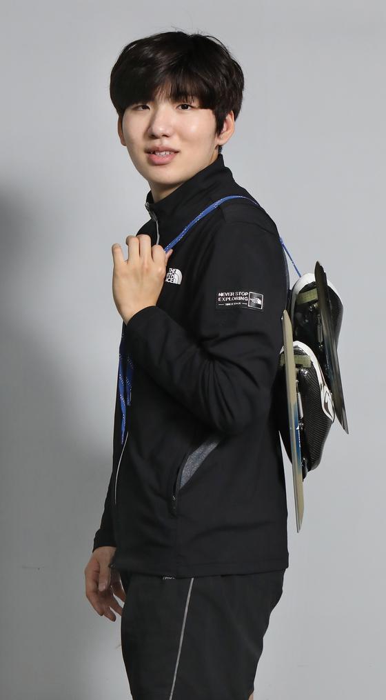 Long-distance speed skater Chung Jae-won poses for a photo at a training site in Namyangju, Gyeonggi, on May 12. [PARK SANG-MOON]