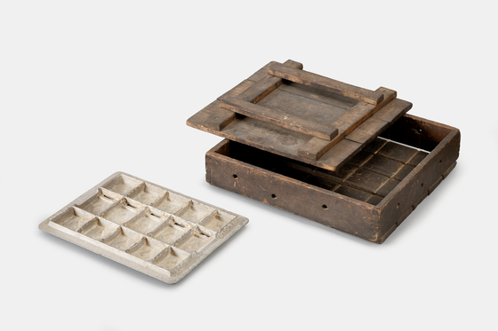 An example of tofu-maker used in Korea in the 19th century, as depicted in Kim's paintings. [NATIONAL FOLK MUSEUM OF KOREA]