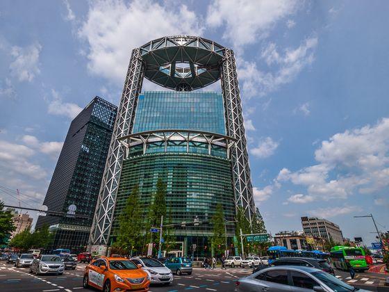 WeWork Korea's co-working space in Jongno Tower, central Seoul [SHUTTER STOCK]