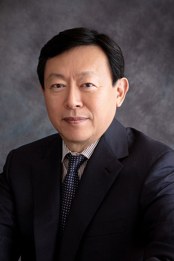 Lotte Group Chairman Shin Dong-bin. Shin gripped his control over Lotte Holdings in Japan on Wednesday after the agenda to dismiss him from board of directors was denied at a shareholder meeting on Wednesday. He was also named president of Lotte Holdings on the same day. [LOTTE CORPORATION]