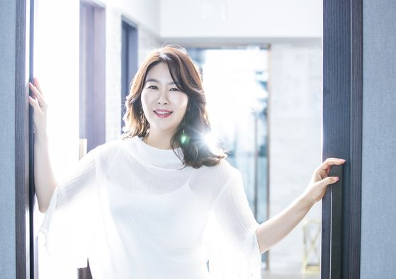 """Actor Kim Ji-young recently played the role of an agent working undercover for the National Intelligence Service in the drama series 'Good Casting"""" on SBS. [KWON HYUK-JAE]"""