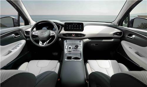 Hyundai Motor's facelifted Santa Fe SUV's interior [HYUNDAI MOTOR]