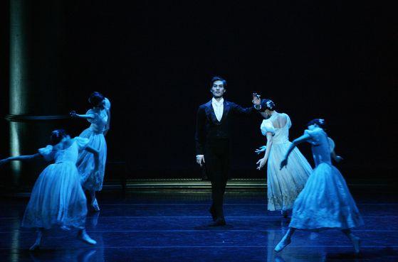 "Universal Ballet's ""Onegin"" [UNIVERSAL BALLET]"
