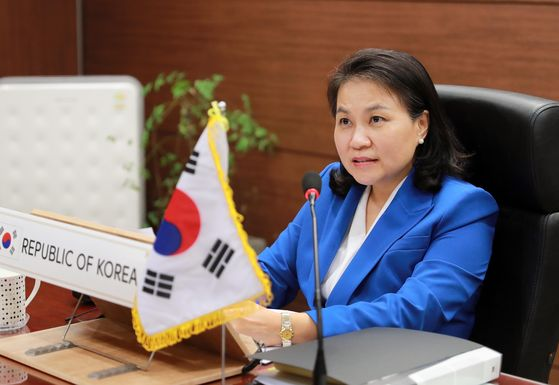 Trade Minister Yoo Myung-hee participates in a video conference of the World Economic Forum trade conference at the Korea Chamber of Commerce and Industry's office in Seoul on Wednesday. [YONHAP]
