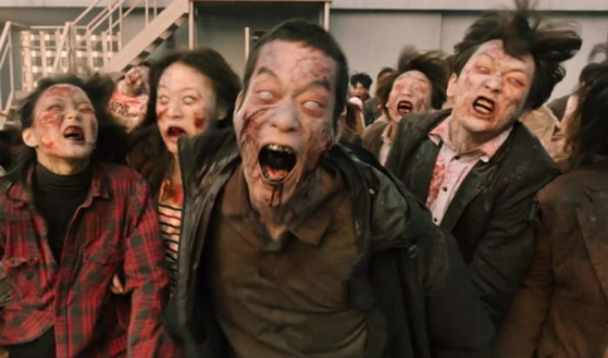 """Zombies from director Cho Il-hyung's """"#Alive."""" [LOTTE ENTERTAINMENT]"""