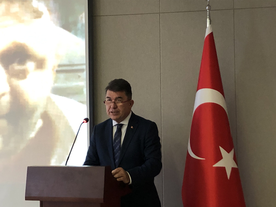Ersin Ercin, ambassador of Turkey to Korea, speaks during an event at the embassy in central Seoul on Wednesday to commemorate the fourth anniversary of an attempted coup in Turkey. [ESTHER CHUNG]