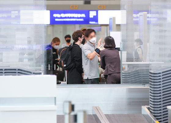 Departure entrance at Incheon International Airport on July 1. Foreigners exiting Korea last year reached an all-time high. [YONHAP]