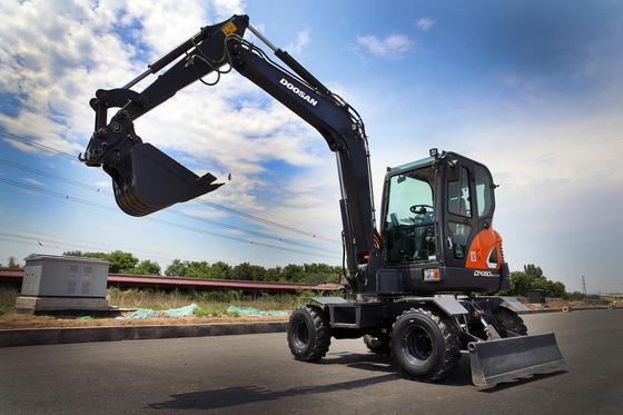Doosan Infracore's six-ton excavator released earlier this month targeting the Chinese market. [DOOSAN INFRACORE]