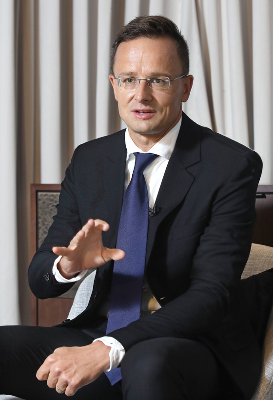 Hungarian Foreign Minister Peter Szijjarto sits for an interview with the Korea JoongAng Daily at the Lotte Hotel in Sogong-dong, central Seoul, on Monday during a two-day visit to Korea. [PARK SANG-MOON]