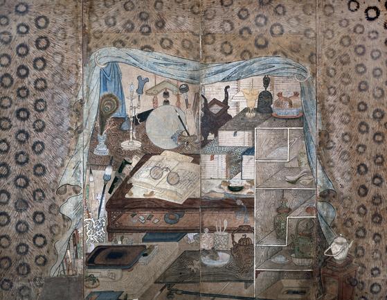 A chaekgeori painting on a four-panel folding screen. [SAPYONG BOOK]