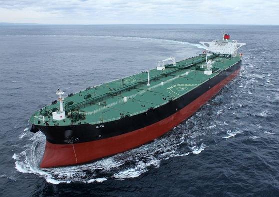 Hyundai Heavy Industries' crude oil carrier. [YONHAP]
