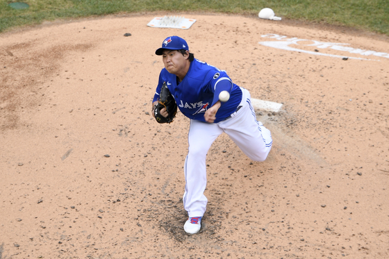 Ryu Hyun-jin of the Toronto Blue Jays throws a pitch during a game against the Washington Nationals at Nationals Park in Washington on July 30. [AP/YONHAP]