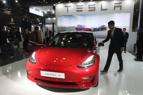 Tesla's Model3 on display at the Seoul Motor Show held at Kintex in March 2019 in Gyeonggi. [YONHAP]