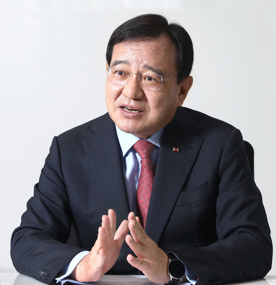Handok CEO and Chairman Kim Young-jin talks about his role in Korea-German business relations and the growth of Korea's biopharmaceutical industry, during an interview at the company headquarters in Gangnam, southern Seoul, on July 22. [PARK SANG-MOON