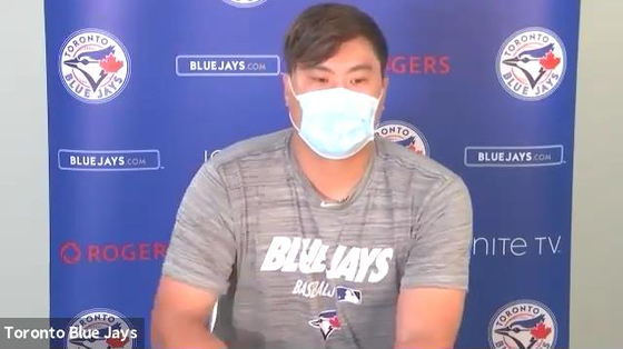 Captured from a video interview with local press on Aug. 5, Toronto Blue Jays' pitcher Ryu Hyun-jin answers questions from media. [YONHAP]