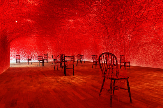 "Japanese artist Chiharu Shiota's installation 'Between Us"" is being displayed at Gana Art Center in Pyeongchang-dong, central Seoul.  [GANA ART]"
