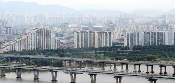 View of Songpa District, southern Seoul. [NEWS1]