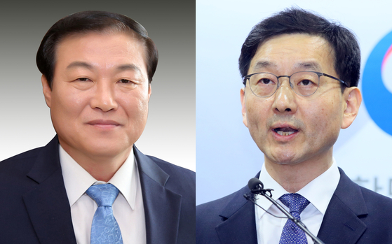 Chung Man-ho, left, was named senior presidential secretary for public affairs on Wednesday. Yoon Chang-yul was named senior secretary for social affairs. [YONHAP]