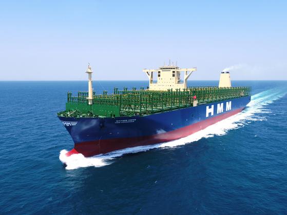 The container ship HMM Copenhagen built by Daewoo Shipbuilding & Marine Engineering. [DAEWOO SHIPBUILDING & MARINE ENGINEERING]