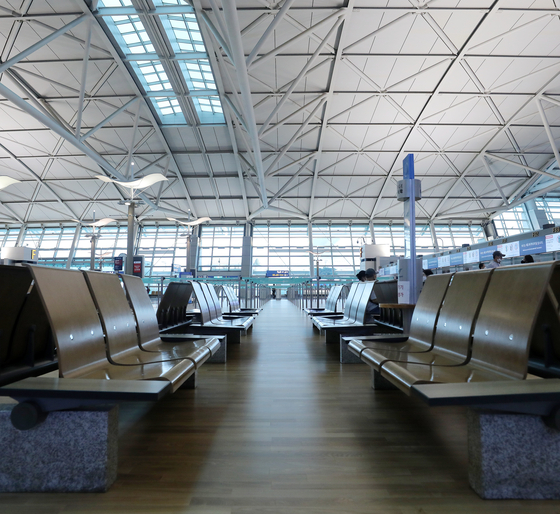 Terminal 1 of Incheon International Airport is deserted on August 9. [NEWS1]