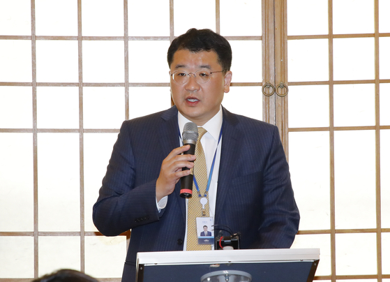 In this file photo, Choi Jong-kun, presidential secretary for peace planning, briefs reporters at the Blue House press center on Sept. 19, 2019, about President Moon Jae-in's trip to attend the United Nations General Assembly later that month. Moon on Friday named Choi vice foreign minister. [YONHAP]