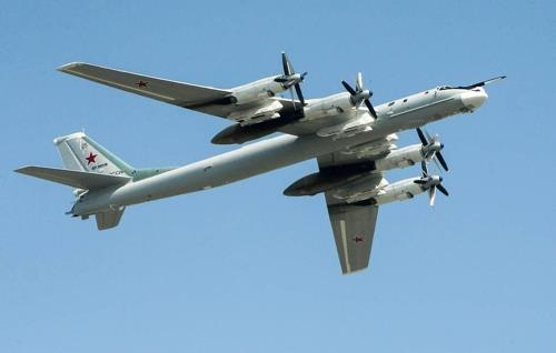A photo of a Tu-95MS strategic bomber. Russia flew two Tu-95MS nuclear-capable bombers near Korea's easternmost Dokdo islets in the East Sea Wednesday, violating the Korean air defense identification zone (Kadiz). [YONHAP]