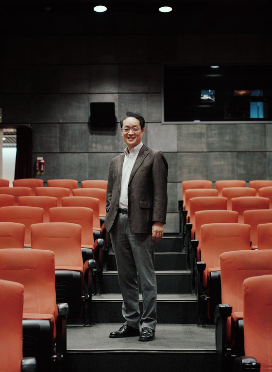 Kang Shin-woong, CEO of Tcast, poses for photos prior to an interview with the Korea JoongAng Daily. [TCAST]