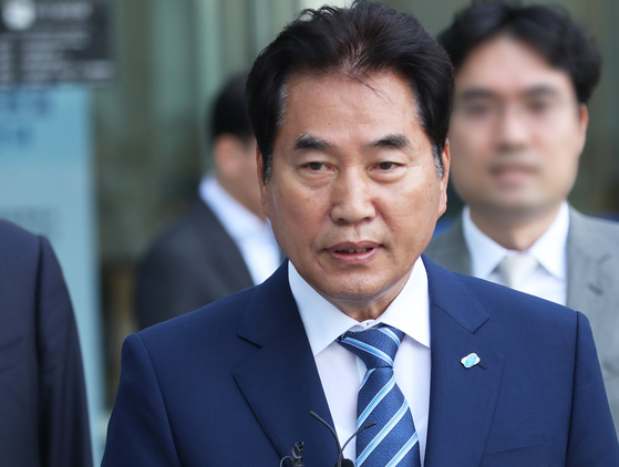 According to the Citizens' Coalition for Economic Justice on Thursday, Yongin Mayor Baek Gun-gi, a politician affiliated with the ruling Democratic Party, owns 14 homes. [YONHAP]