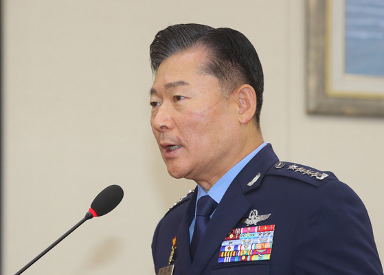 Air Force Chief of Staff Won In-choul, nominated to be the next chairman of Korea's Joint Chiefs of Staff (JCS), attends a parliamentary hearing on Friday. [YONHAP]