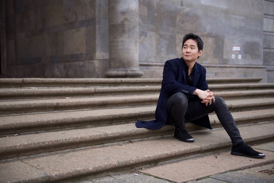 """Acclaimed pianist Lim Dong-hyek will hold a piano recital with the subtitle of 'To Beethoven"""" in November in Seoul. [WARNER CLASSIC]"""