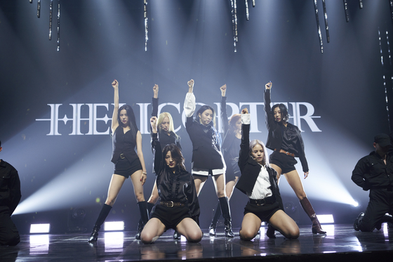 "Girl group CLC performs its new track on Wednesday for the online showcase of its new single ""Helicopter."" [CUBE ENTERTAINMENT]"