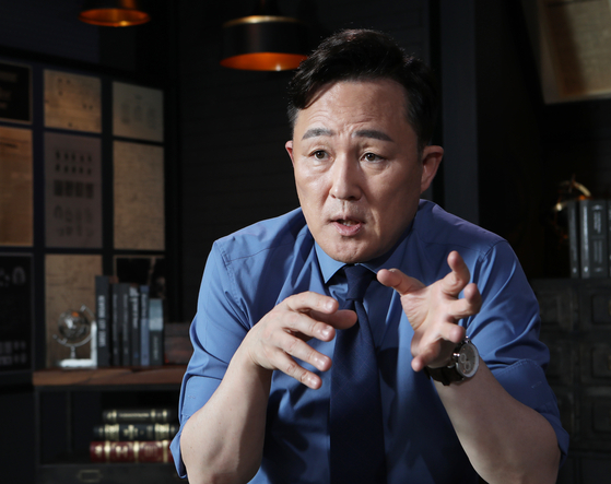 Profiler Pyo Chang-won sat down with the Korea JoongAng Daily for an interview to discuss how the role of profiler has changed in the past 20 years. [PARK SANG-MOON]