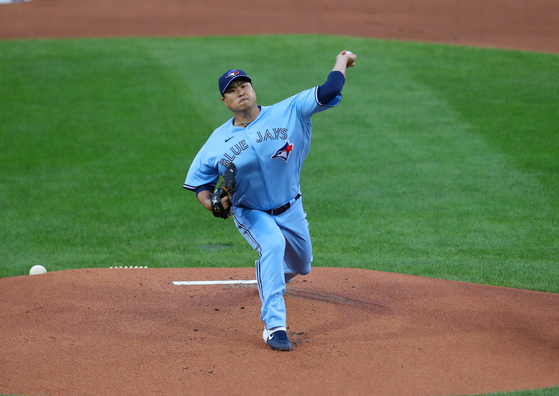 Ryu Hyun-jin of the Toronto Blue Jays throws a pitch during a game against the New York Yankees at Sahlen Field in Buffalo, New York on Monday. [REUTERS/YONHAP]