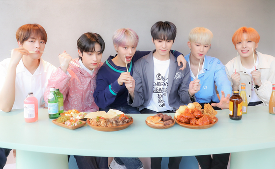 "Boy band Oneus sat down with the Ilgan Sports to talk about the recent release of its fourth EP ""Lived,"" released on Aug. 19. [PARK SE-WAN]"
