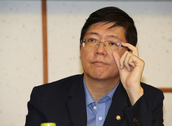 Rep. Kim Hong-gul of the Democratic Party (DP).  [YONHAP]