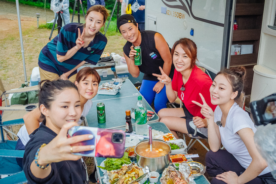 """A scene from """"Sporty Sisters."""" The show can be streamed on Netflix from Sept. 15. [E CHANNEL]"""