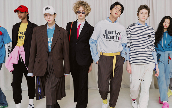 Fashion models wearing clothes from Kolon Industries FnC's online brand Lucky Marché. [LUCKY MARCHÉ]