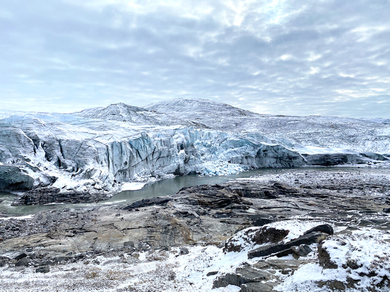 A view of Russell Glacier in Qeqqata, Greenland. The glacier in Greenland is melting seven times more rapidly than it did in the early 1990s. [KIM IN-SOOK]