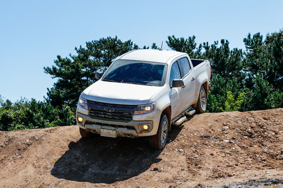 Chevrolet's face-lifted Colorado pickup truck launches in Korea. [GM KOREA]