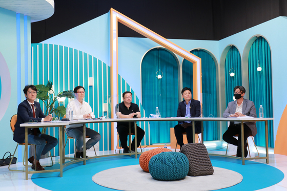 From left, Chief Executive Officer Lee Tae-hyun, Chief Product Officer Rhie Sang-woo, Chief Technology Officer Felix Cho, Chief Financial Officer Jeong Wook and Chief Risk Officer Lee Hee-joo at an online press event discussing the progress and future of their streaming platform Wavve in line with the one-year anniversary of its establishment. [WAVVE]