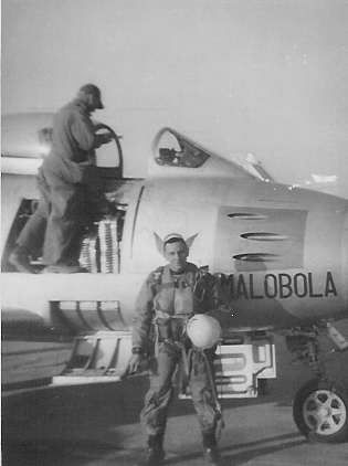 Lt. Piet Visser during his service in the Korean War (1950-1953). He is one of only five surviving South African Korean War veterans. [SOUTH AFRICAN KOREAN WAR VETERANS ASSOCIATION]