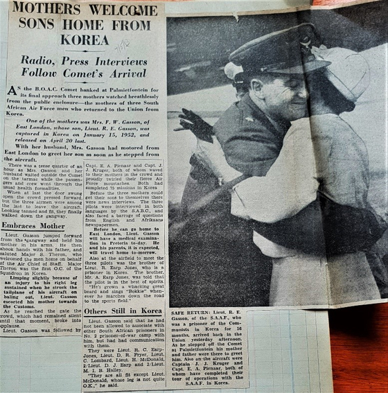 A newspaper article details 2nd Lt. Gasson's arrival in South Africa following his release from a POW camp in Korea. [SOUTH AFRICAN AIR FORCE MUSEUM/ SOUTH AFRICAN KOREAN WAR VETERANS ASSOCIATION]
