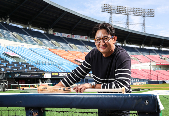 Park Yong-taik of the LG Twins poses for a photo at Jamsil Baseball Stadium in southern Seoul on Sept. 23. [WOO SANG-JO]