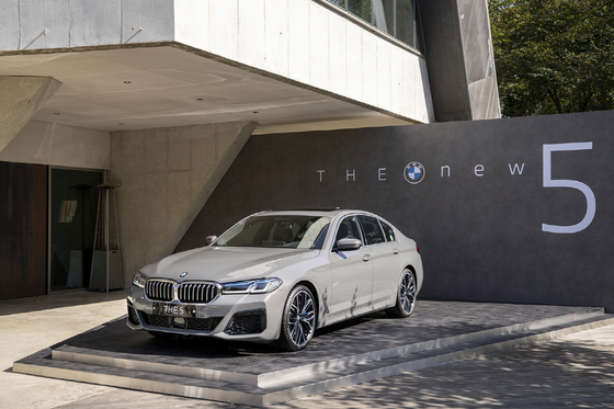 BMW's face-lifted 5 Series on display at a cafe in Gwangju, Gyeonggi, on Oct. 5. [BMW KOREA]