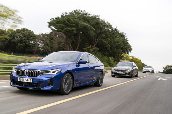 The facelifted 6 Series on the road. [BMW KOREA]