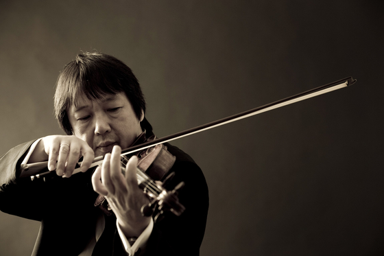 Violinist Kang Dong-suk has been the artistic director of the Seoul Spring Festival of Chamber Music since its advent in 2006. [CHOI CHOONG-SIK]