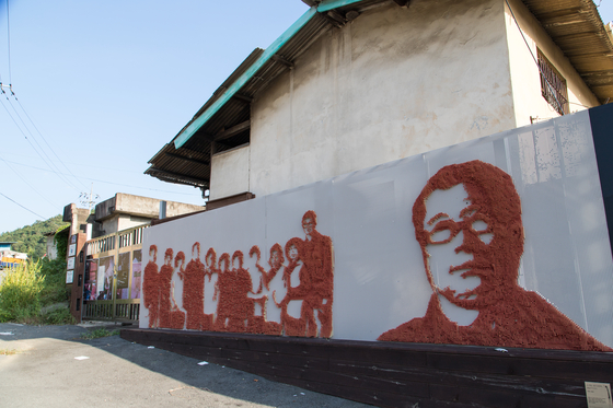 The country's last match factory, Seonggwang Match, is located in Uiseong. [CHOI SEUNG-PYO]